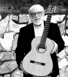 José Luis Merlin- con su guitarra Felipe Conde CC 36